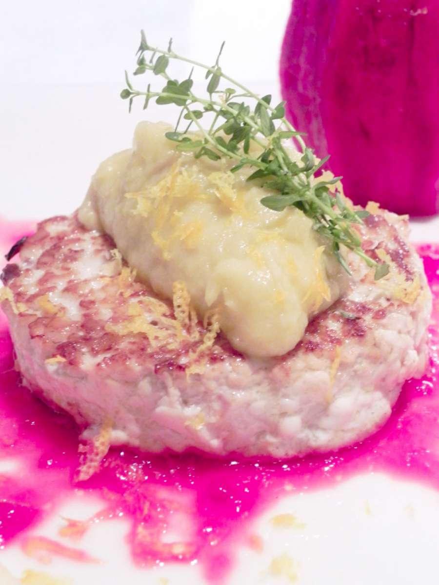 hamburger_di_ricciola_mela_e_fico_dindia-W900